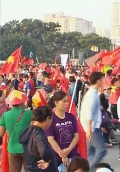 Không khí trước trận bán kết lượt về Việt Nam - Philippines tại SVĐ Mỹ Đình: Khán giả sôi sục