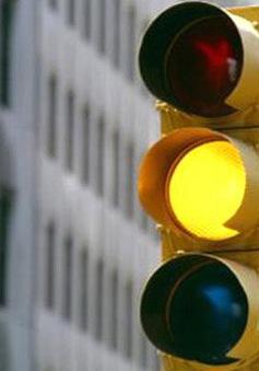 Điểm hẹn giao thông 15h (7/12): Loạn đèn báo giao thông
