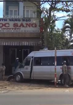 Đắk Lắk: Tai nạn xe khách, 10 hành khách may mắn thoát nạn