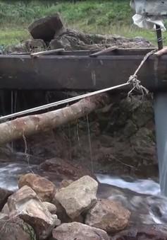 Quảng Ngãi: Người dân vùng cao Ba Tơ tự làm máy phát điện để đón Tết
