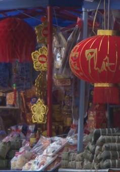 Nhộn nhịp thị trường Tết Việt tại Lào