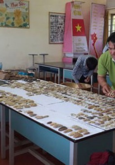 Thầy giáo đam mê sưu tầm hiện vật để dạy học sinh