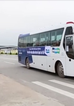 Công nhân Khu kinh tế Dung Quất được bố trí xe về quê ăn Tết
