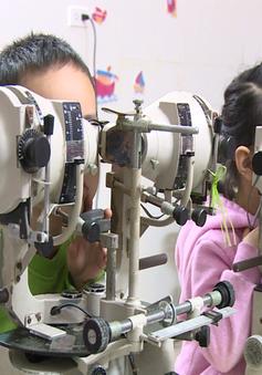 Những lý do cần cho trẻ đi khám mắt sớm