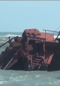 Khẩn trương nạo vét cảng cá Đông Tác, Phú Yên