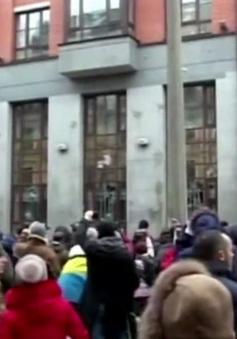 Nga phản đối việc tấn công nhằm vào các cơ quan đại diện ở Ukraine