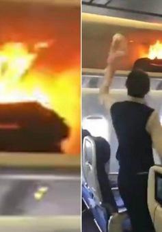 Trung Quốc: Sạc dự phòng bỗng nhiên bùng cháy dữ dội trên máy bay