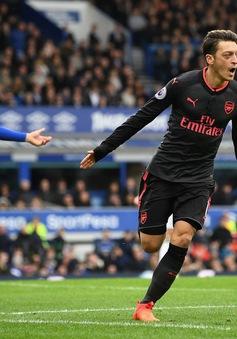 Arsenal nhắm sao bự thay nhạc trưởng Ozil
