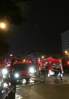 Hà Nội: Cháy lớn trên đường Trần Duy Hưng, chưa xác định được thiệt hại