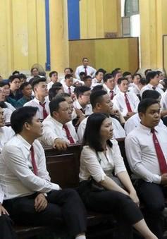 Tạm hoãn phiên vụ án dân sự giữa taxi Vinasun với Grab