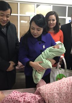 Bộ trưởng Bộ Y tế kiểm tra hoạt động khám chữa bệnh trong dịp Tết Nguyên đán
