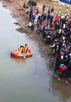 """Truy tặng huy hiệu """"Tuổi trẻ dũng cảm"""" cho nam sinh viên tử nạn khi cứu 3 mẹ con"""