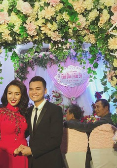 Khắc Việt hạnh phúc trong lễ ăn hỏi với nữ DJ xinh đẹp