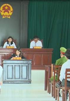 Phú Yên: Tiếp tục hoãn xét xử lần 2 vụ chấm dứt hợp đồng lao động với giáo viên Tây Hoà