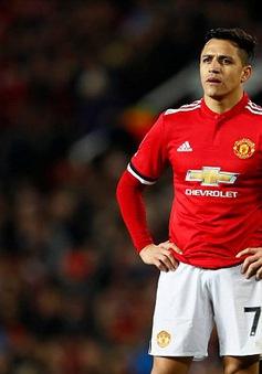 Man Utd thua sốc, các chuyên gia đổ xô chê bai Sanchez