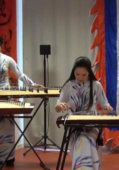 """Ban nhạc """"Tiếng tơ đồng"""" gắn kết cộng đồng người Việt tại Pháp"""
