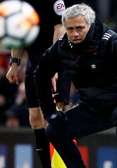 Man Utd vào bán kết FA Cup, HLV Mourinho vẫn mắng xối xả học trò