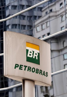 Tập đoàn dầu khí khổng lồ Petrobras thua lỗ bốn năm liên tiếp
