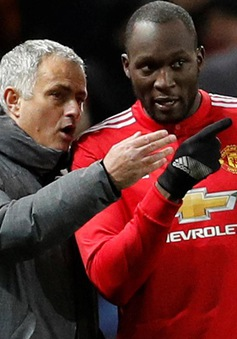 "Lukaku ""dằn mặt"" Mourinho: Tôi đang buồn bực!"