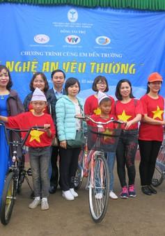 Tiếp lửa yêu thương đến các em học sinh tiểu học Nghệ An