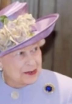 63 giây ghi lại giai đoạn trị vì 63 năm của Nữ hoàng Anh