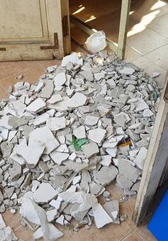 Chưa đến một năm, hai vụ sập vữa trần đều xảy ra ở trường THPT Trần Nhân Tông (Hà Nội)