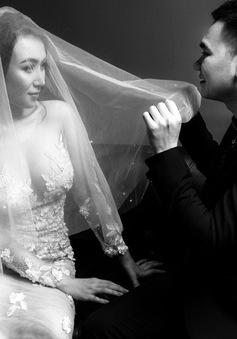 Khắc Việt tung bộ ảnh cưới trắng đen độc lạ