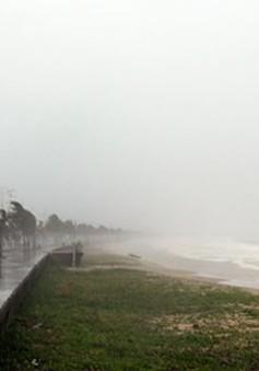 Sóng gió ở vùng biển từ Bình Thuận đến Cà Mau mạnh lên