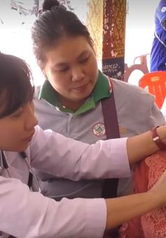 Doanh nghiệp và thanh niên Việt Nam làm từ thiện ở Campuchia