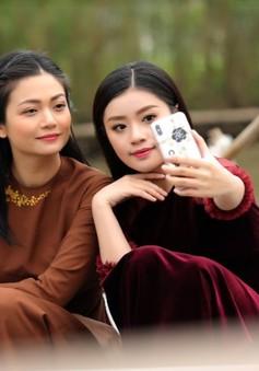 Sao mai Nguyễn Thu Hằng làm em gái diễn viên Kiều Anh trong MV mới