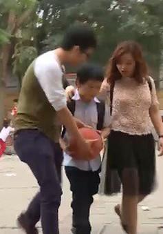 Quy tắc đề phòng bị bắt cóc khi bố mẹ đón học muộn