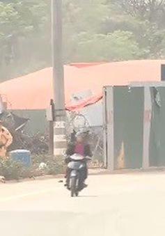 Báo động tình trạng nhiều xe máy đi lên đường cấm trên cầu Thăng Long