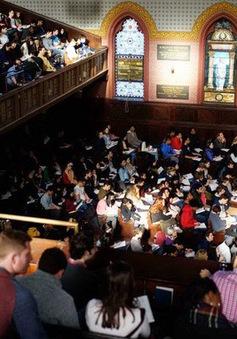 Lớp học về hạnh phúc với số sinh viên đông kỷ lục ở đại học Yale, Mỹ