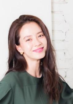 """Song Ji Hyo thấy Choi Ji Woo thật """"ngầu"""" vì bí mật kết hôn"""