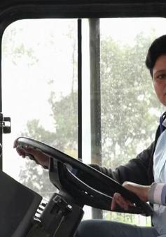 New Delhi lần đầu tiên có nữ tài xế xe bus