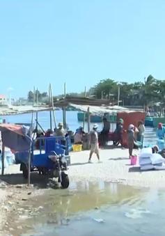 Hiểm nguy mưu sinh nơi đáy biển