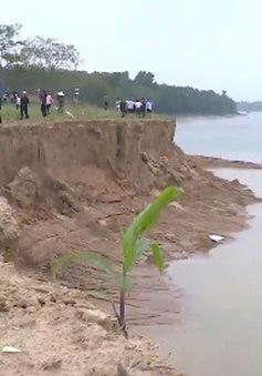 """Thanh Hóa: Đình chỉ công tác Phó Chủ tịch xã, điều tra nghi vấn """"bảo kê"""" cát tặc"""