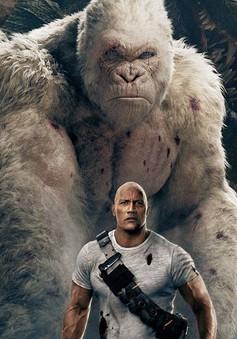 """The Rock - Dwayne Johnson sẵn sàng """"chiến"""" cả dàn siêu thú cuồng nộ trong Rampage"""