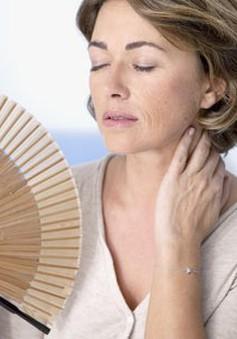 Cẩn trọng với 10 biểu hiện sớm của mãn kinh