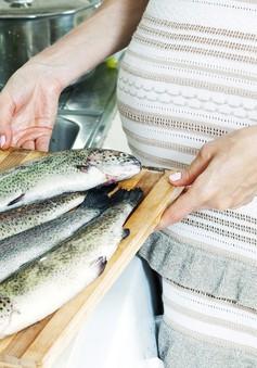 Phụ nữ mang thai có nên ăn hải sản?