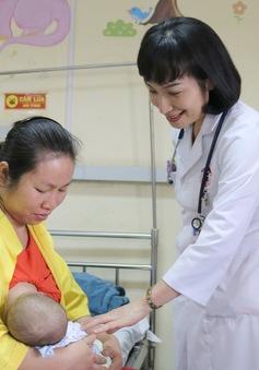 Phẫu thuật thành công thoát vị bẹn cho trẻ suy dinh dưỡng