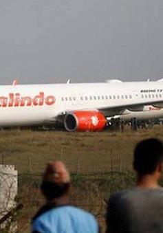 Nepal: Máy bay chở 139 người gặp sự cố, trượt khỏi đường băng