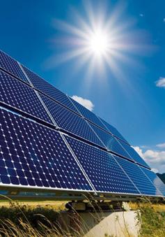 Pin mặt trời tạo ra điện từ... nước mưa