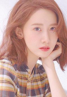 Khoe xế mới, YoonA được netizen khen hết lời