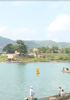 Lễ hội cá trắm, đua thuyền sông Son tại Vườn Quốc gia Phong Nha - Kẻ Bàng