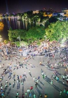 Dịp nghỉ lễ 30/4 và 1/5, phố đi bộ Hà Nội hoạt động liền 5 ngày