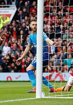 VIDEO Sanchez bỏ lỡ nhưng Pogba có mặt đúng lúc để phá lưới Arsenal