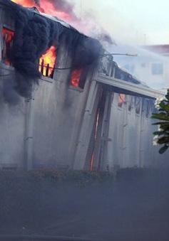 Cháy nhà máy sợi ở Tiền Giang