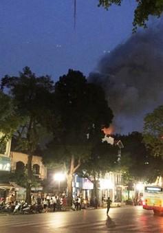 Cháy kèm nổ lớn tại cửa hàng thời trang trên phố Hai Bà Trưng, Hà Nội
