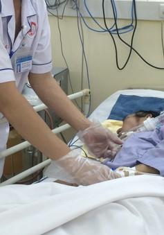 Nhiễm khuẩn huyết nguy kịch tính mạng từ một vết mụn nhỏ